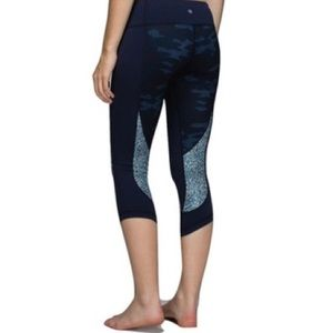 Lululemon Navy Camo Crop Pants Size 6